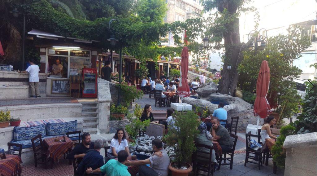 Ceneviz cafe close to the tower
