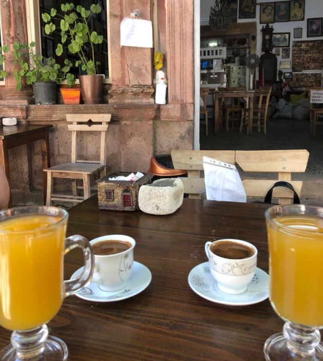 Devil's Coffeehouse in Ayvalik- verjuice & coffee